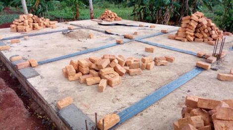 eerste stenen op slab